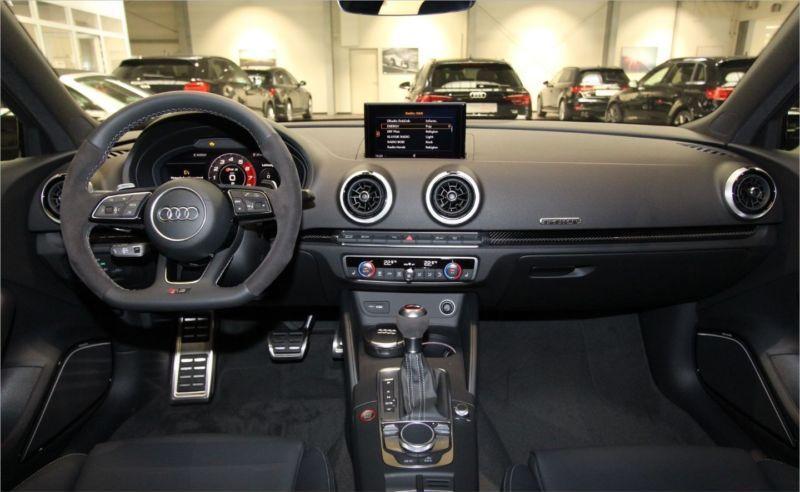 AUDI RS3 2.5 12.05.18 9500KM Tarif : 69990€ (58815,00€HT)
