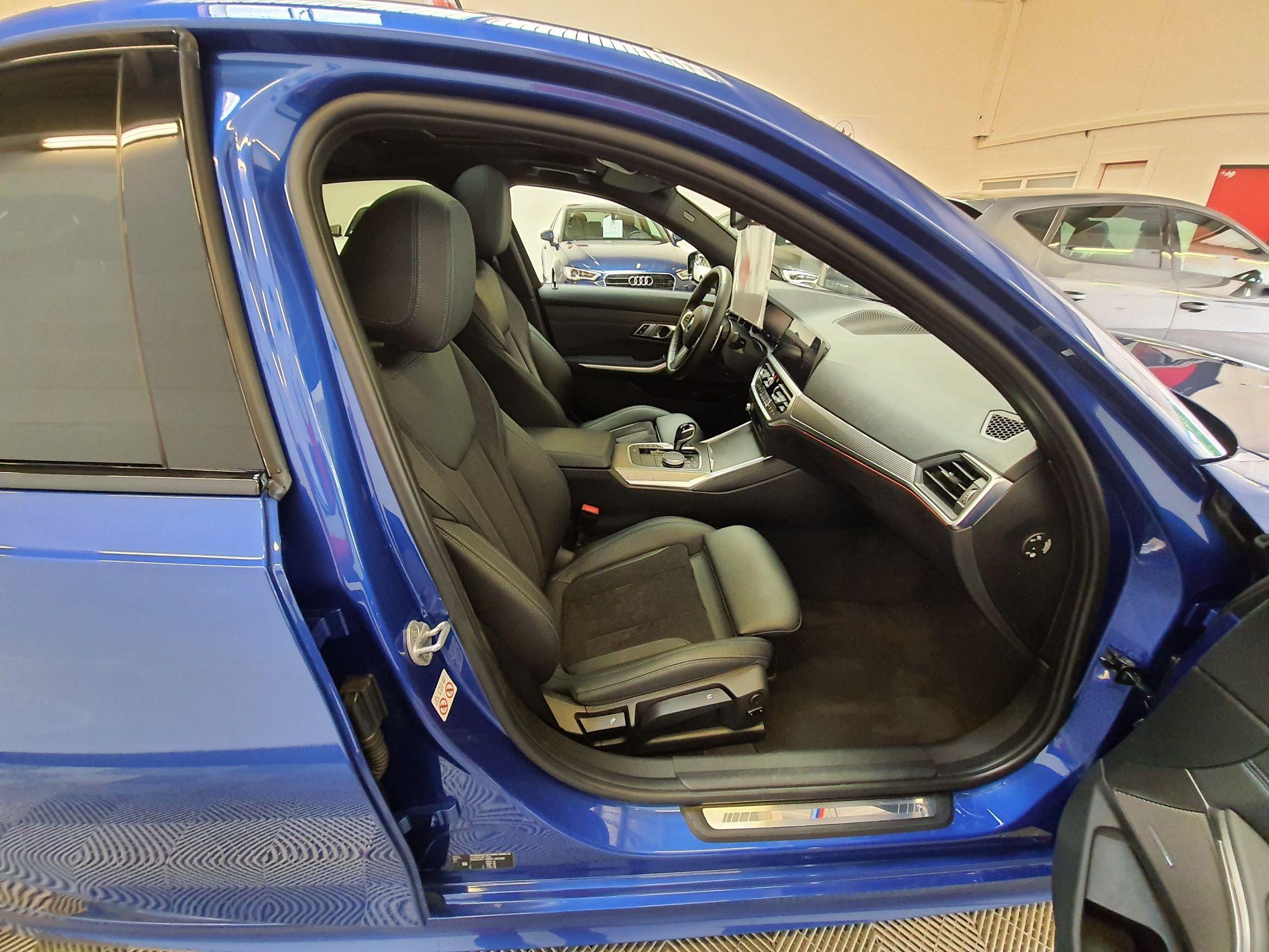 BMW 330i M-SPORT